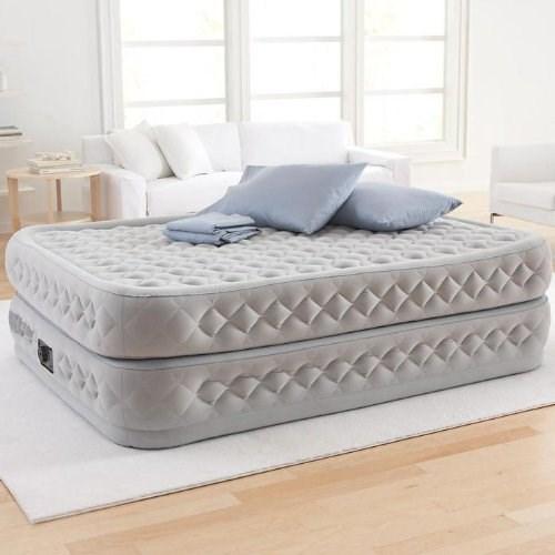 Кровать надувного типа со встроенным насосом