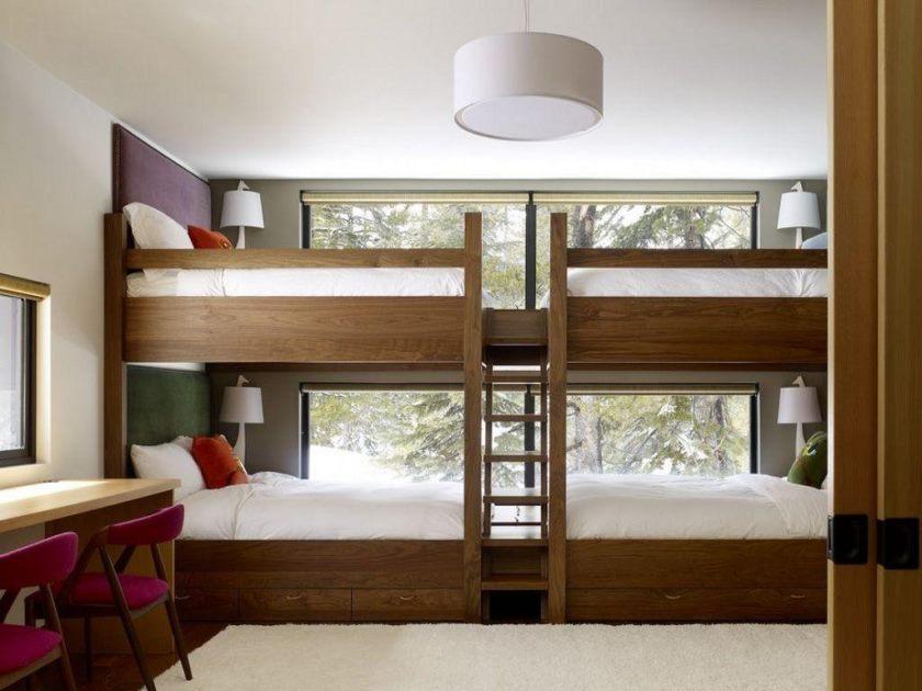 Кровать под потолком для детской комнаты