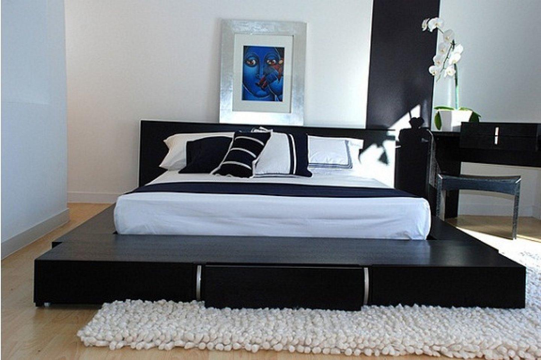 Кровать-подиум черного цвета в восточном стиле