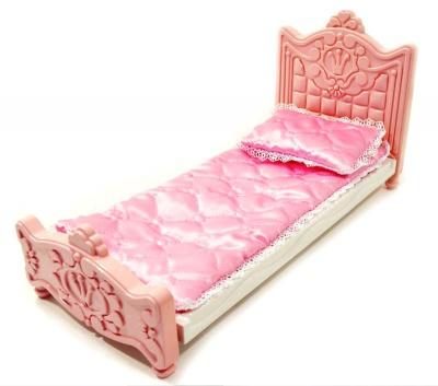 Кровать с бельем
