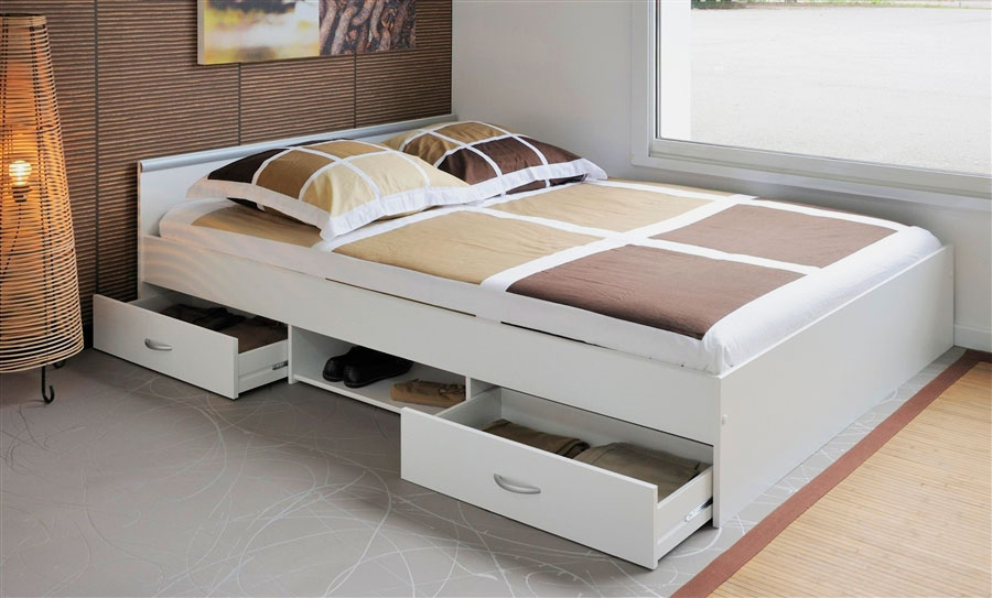 Кровать с полками и ящиками