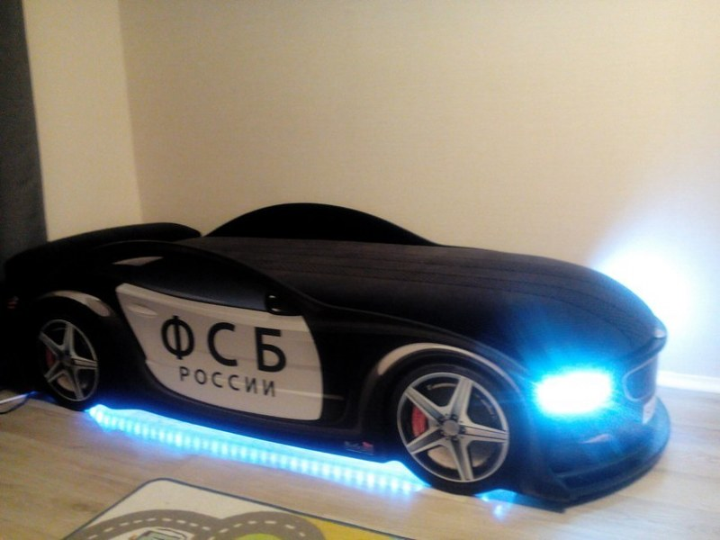 Кровать в виде современной машины БМВ ФСБ