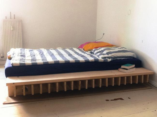 Кровать в восточном стиле оформления