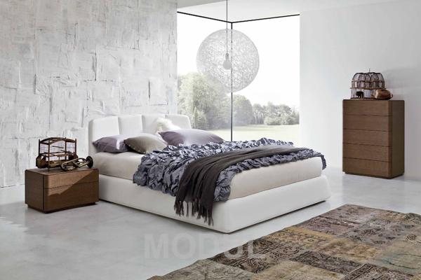Кровать высокая