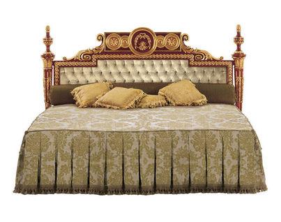Кровати итальянские коричневые классические
