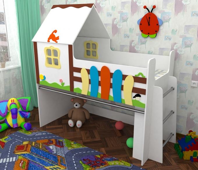 Кроватка для ребенка с оригинальным оформлением