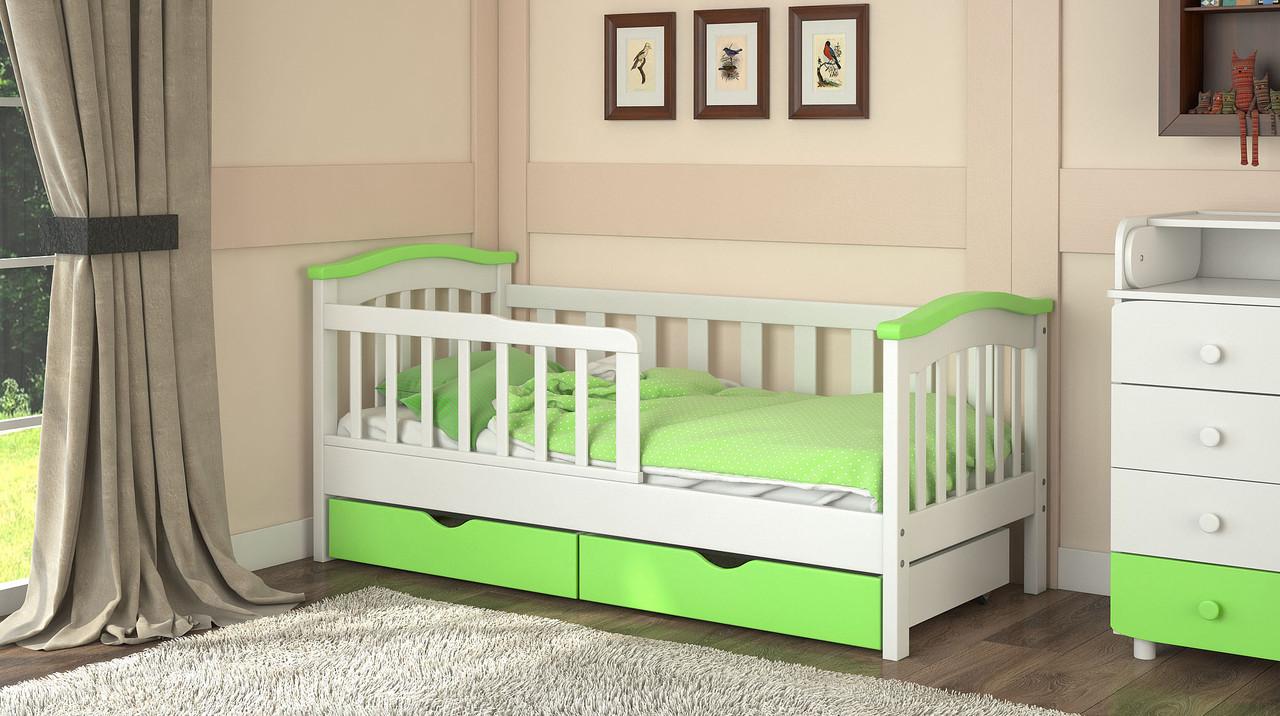 Кроватка для ребенка зеленого цвета