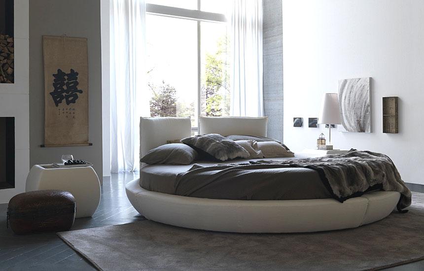 Круглая кровать в интерьере - все за и против