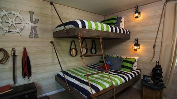 Мебель размещенная на канатах в спальне