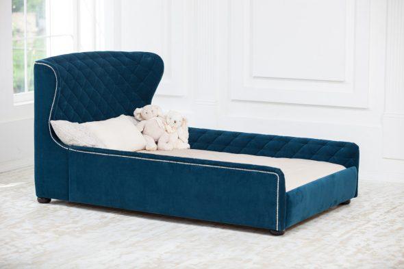 Мебель с мягким синим изгловьем
