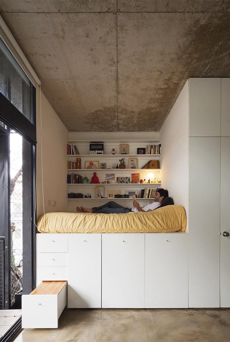Минималистическое спальное место