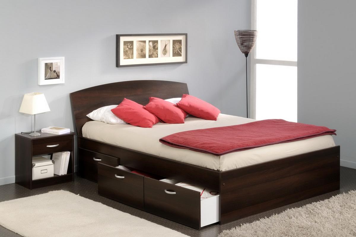 Минималистичная кровать с тремя ящиками по бокам