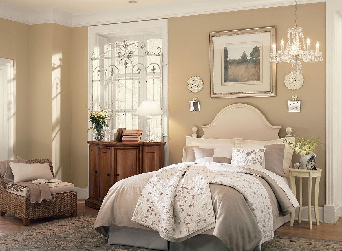 Мягкий дизайн двуспальной кровати