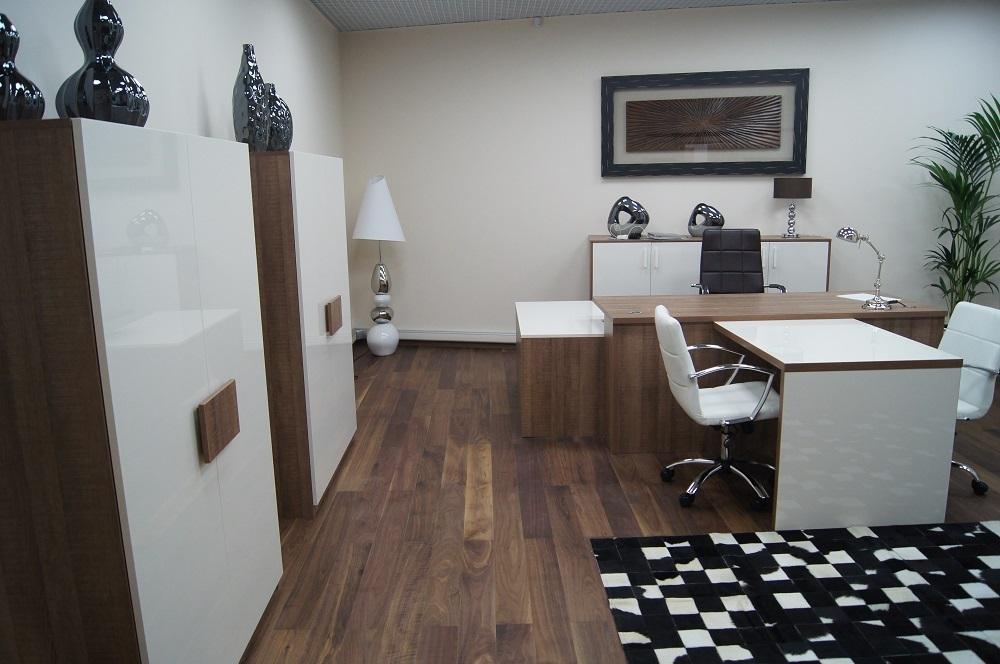 Набор офисной мебели белый