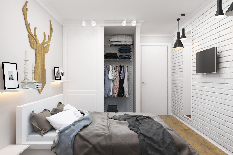 Небольшая спальня с просторной кроватью