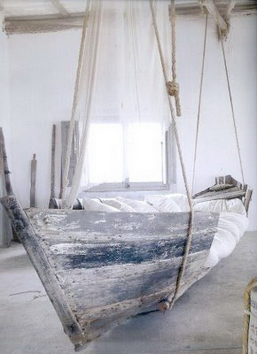 Необычная кровать-корабль для детской