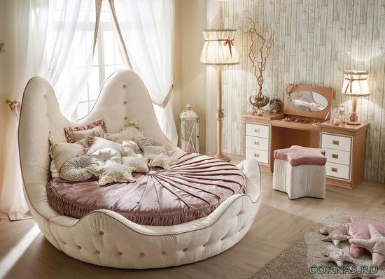 Необычное изголовье кровати
