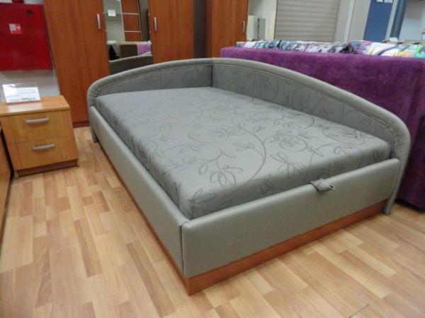 Необычный размер и форма кровати