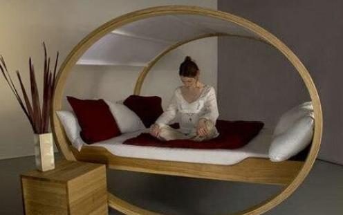 Необычный внешний вид современной мебели