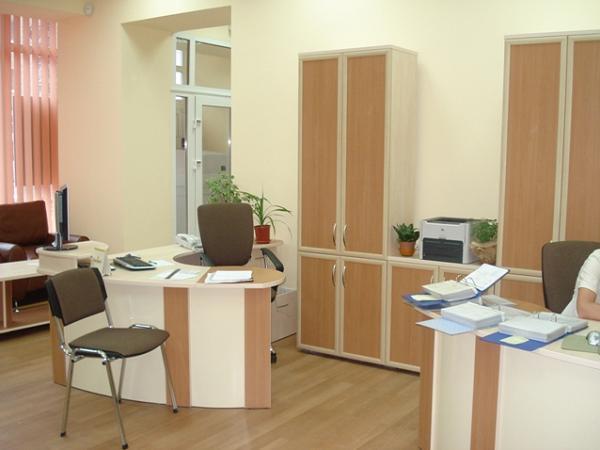 Нестандартные угловые офисные столы