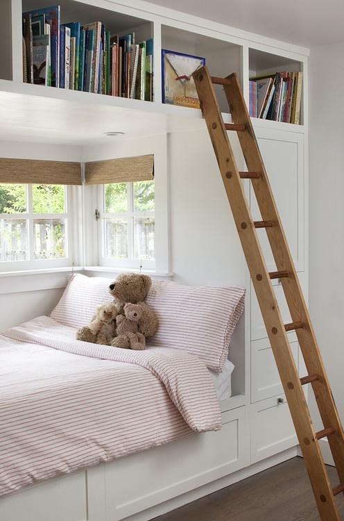 Ниша в стене для практичного расположения мебели