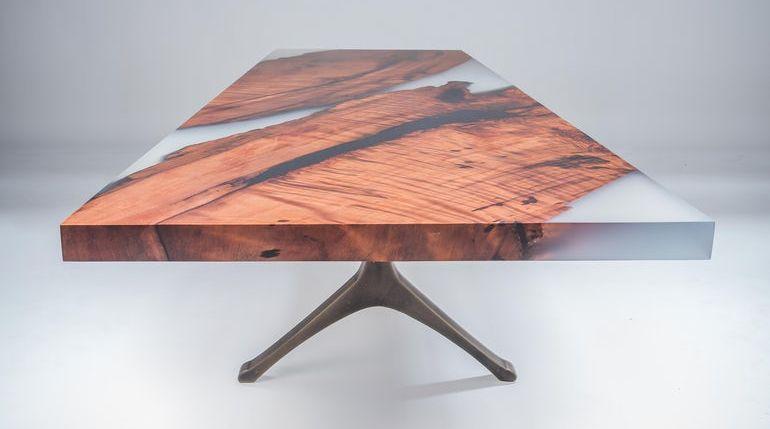 Обеденный стол река из эпоксидной смолы