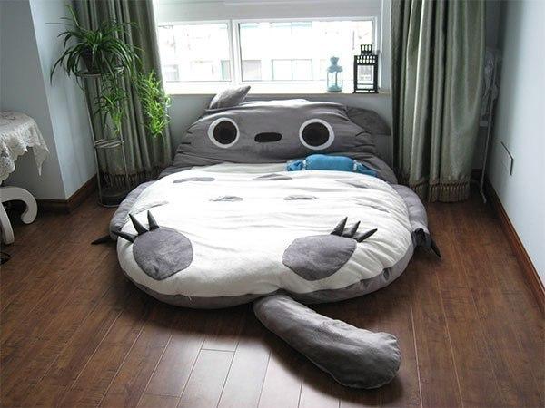 Оригинальная кровать в виде кота