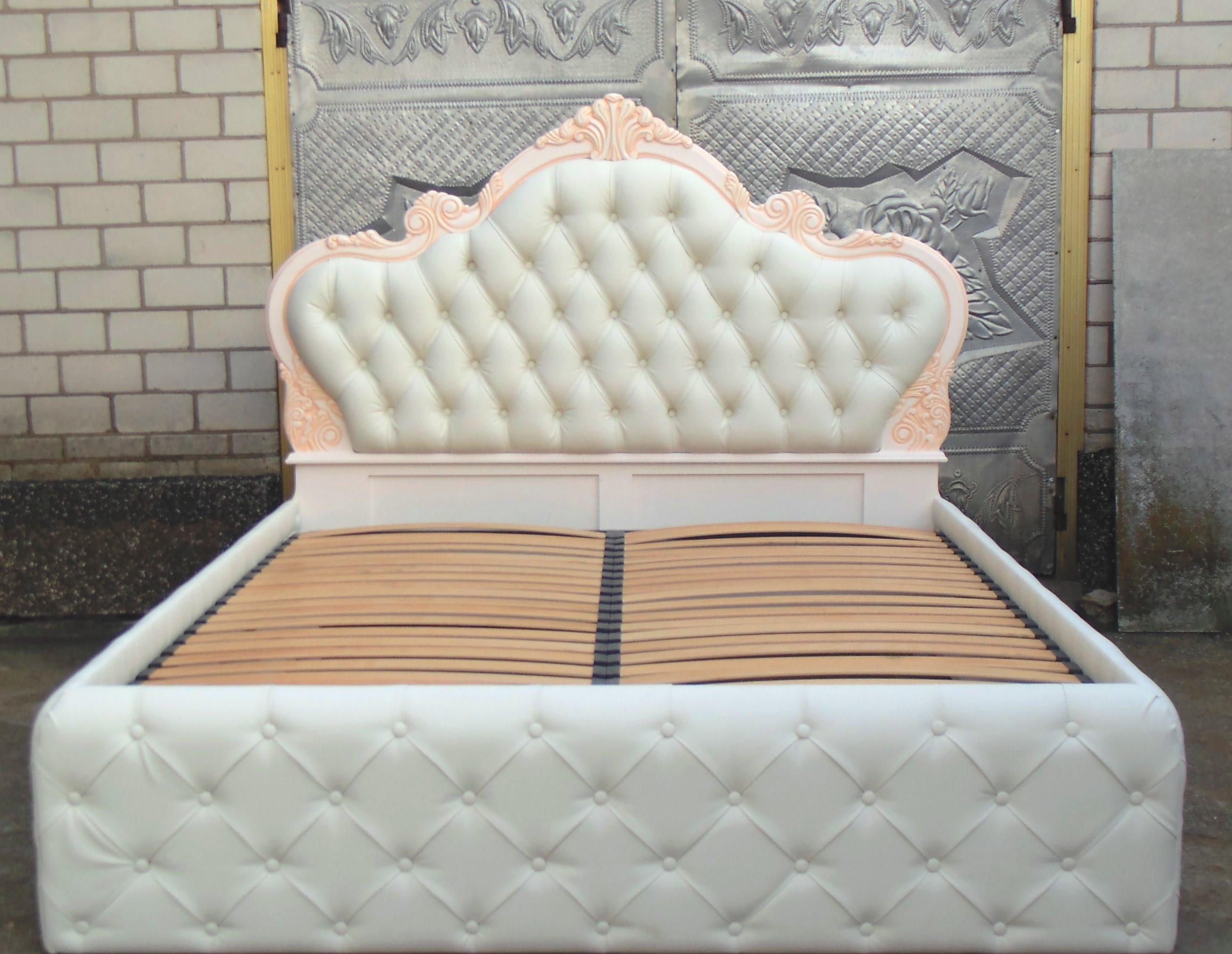 Оригинальное изголовье кровати