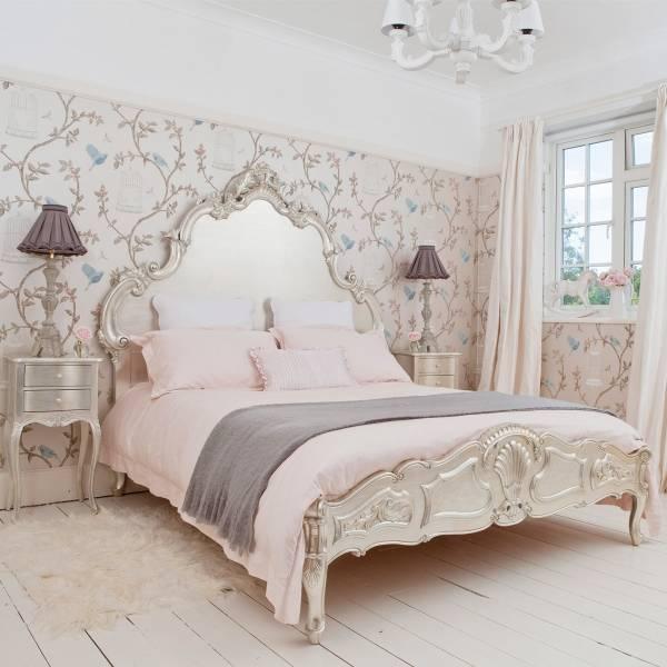 Оригинальное изголовье современной кровати