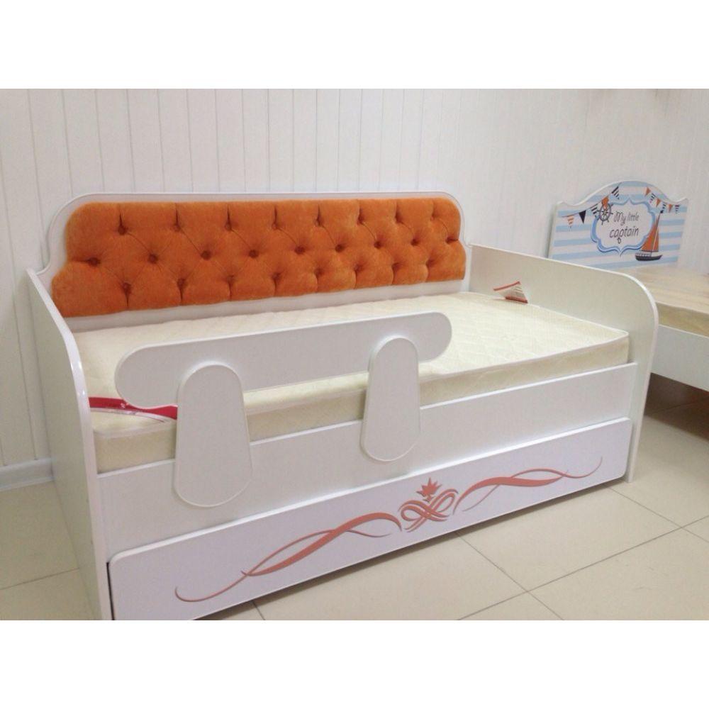Оригинальный декор спального ложе