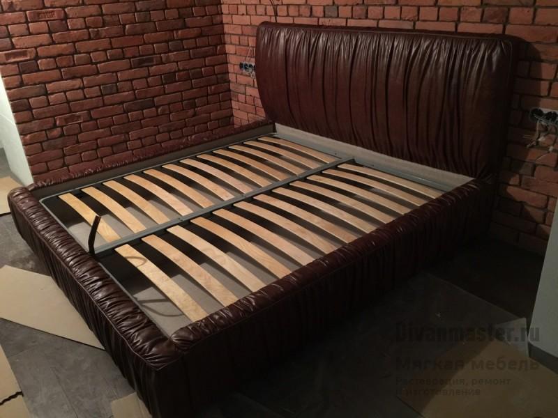 Осматриваем какрас двуспальной кровати