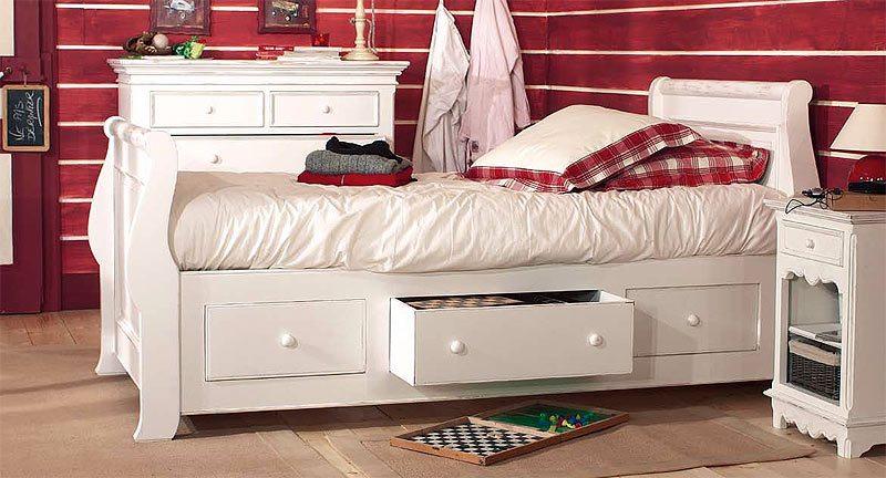 Особенности кроватей с практичныит нишами