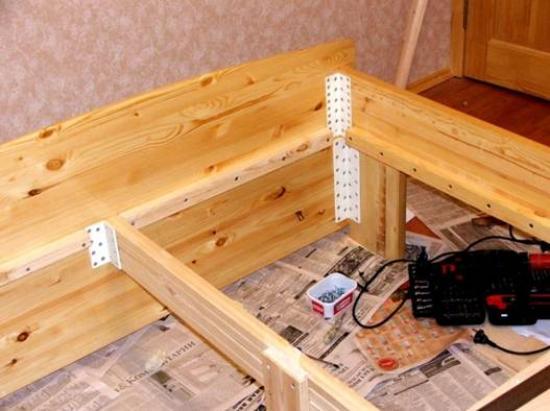 Особенности ремонта современной кровати