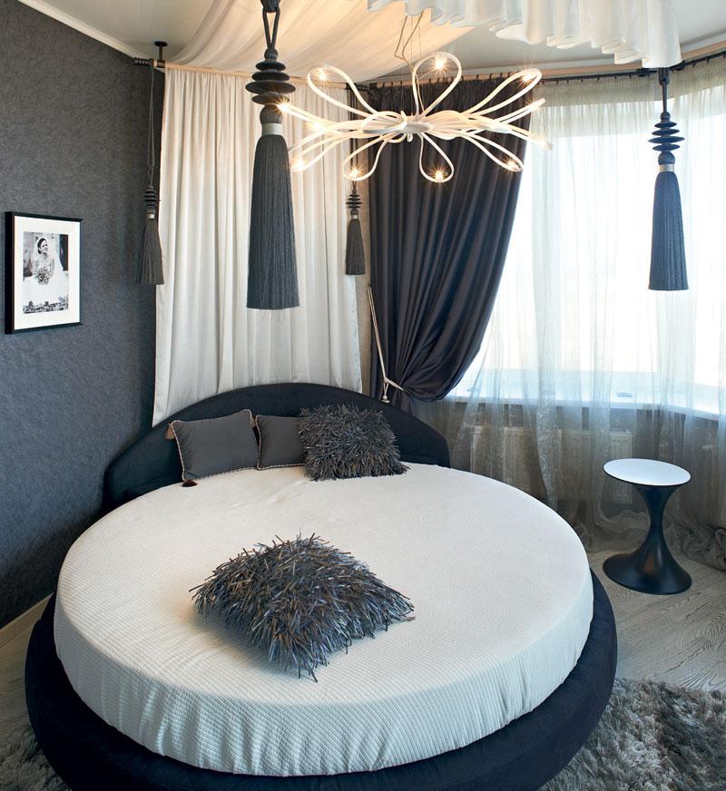 Подиумная мебель с балдахином