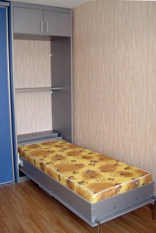 Полуторный размер современной встроенной кровати