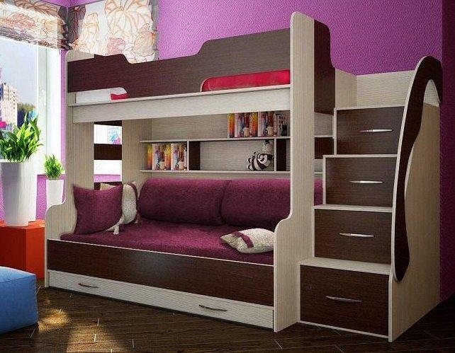 Практичная кровать на основе дерева
