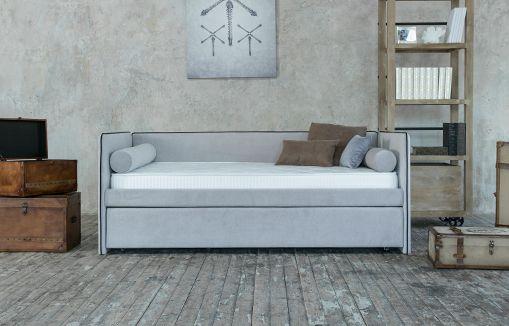 Правильно выбираем декор современного дивана
