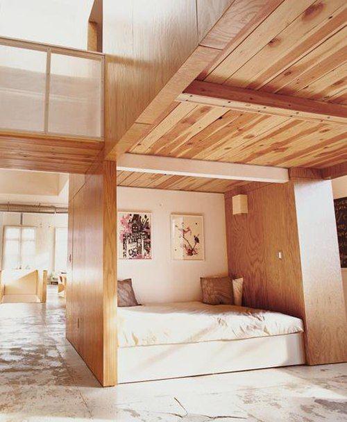 Применение дерева в интерьере современной спальни
