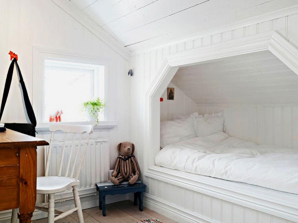 Пример детской комнаты со встроенной в нише кроватью