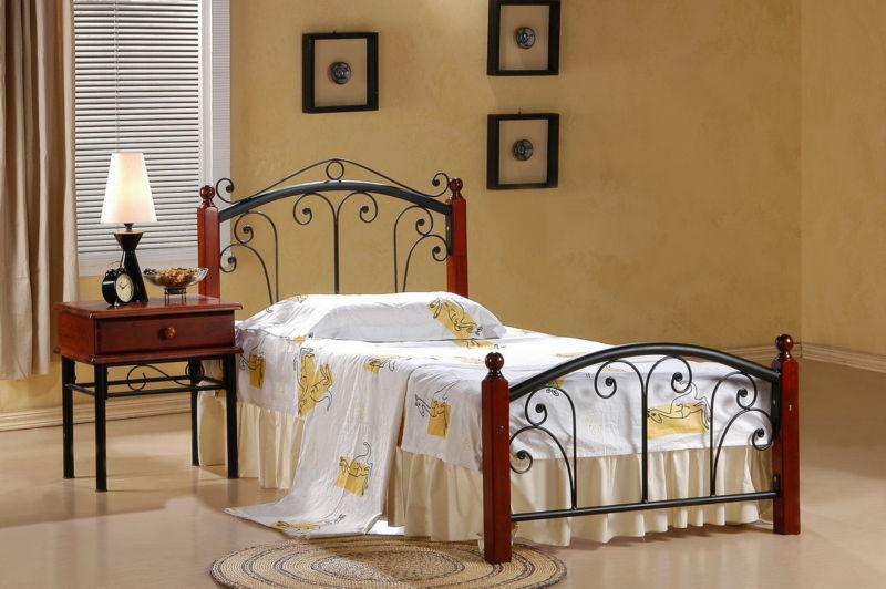 Пример дизайна с кроватью из железа