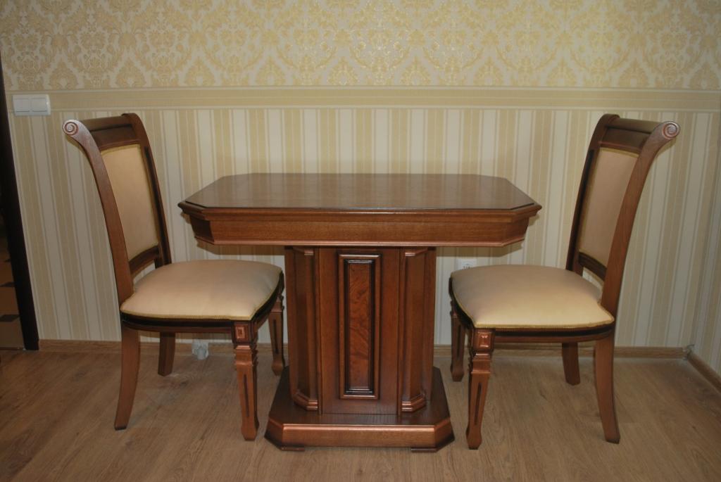 Приставной стол для дома
