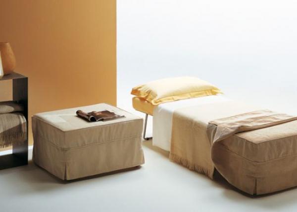 Пуф-кровать в интерьере