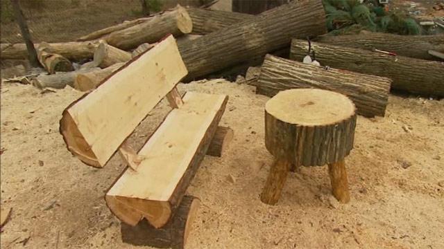 Садовая мебель из бревна изготавливается быстро, но служит долго