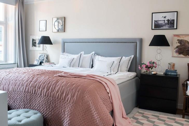 Серые покрытия кровати