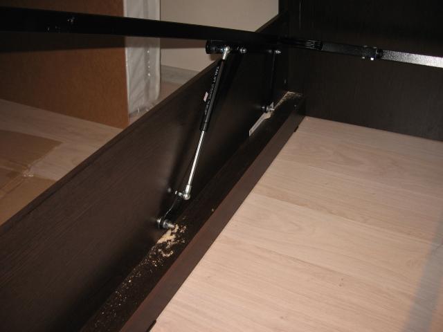 Соединение внутренних механизмов корпусной мебели