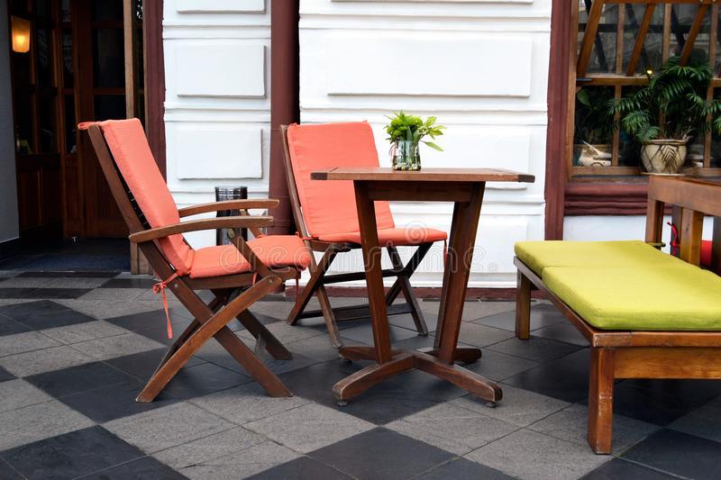 Современная мебель кофейни