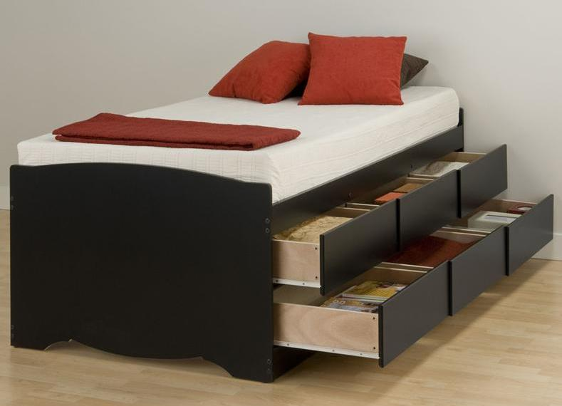 Спальное место с практичными ящиками