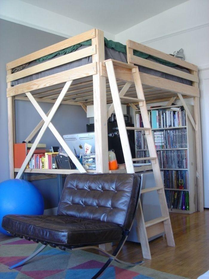 Спальня, находящаяся под потолком