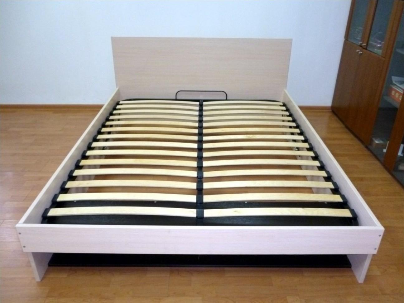 Сплошное дно кровати