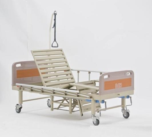 Трехсекционная кровать-кресло с туалетным устройством